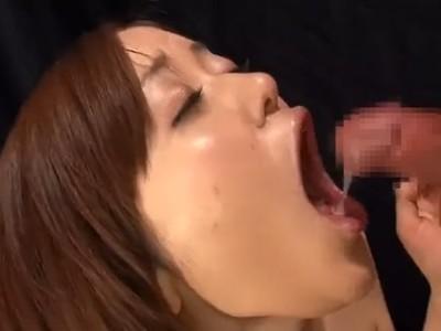 ザーメンごっくん105連発!お腹一杯精子を飲まされる巨乳お姉さんの半端ないフェラ動画!